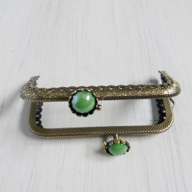 boquilla vintage para monedero con flor y perla verde